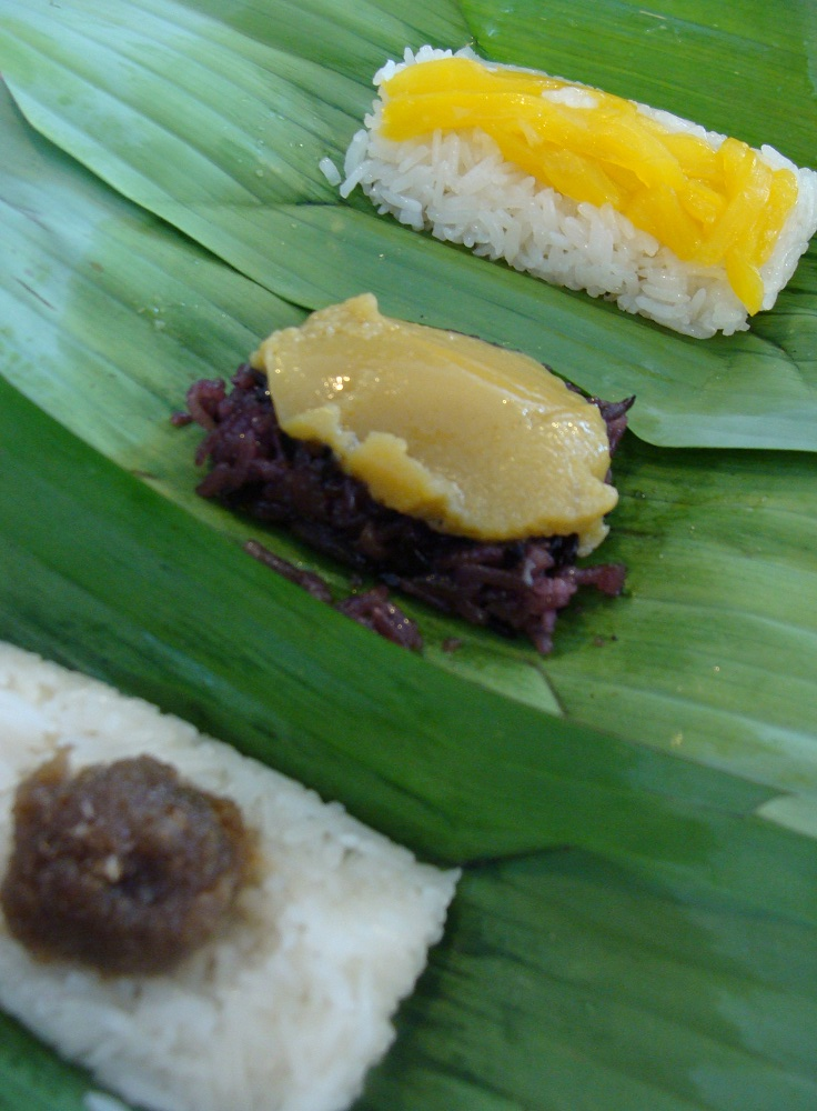 Sticky rice with different topping